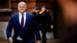 Sosyal mesafe kuralına uymayan Hollanda Adalet Bakanı'na para cezası