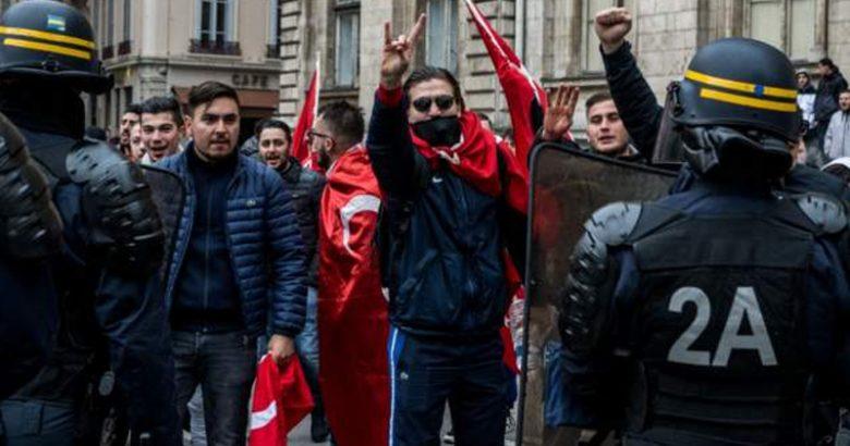 Fransa İçişleri Bakanı: 'Bozkurtlar' hareketini yasaklayacağız