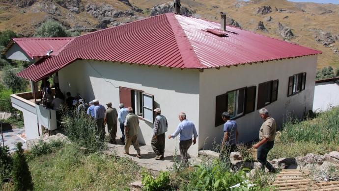 HDP'den Beytüşşebap köylerine ziyaret
