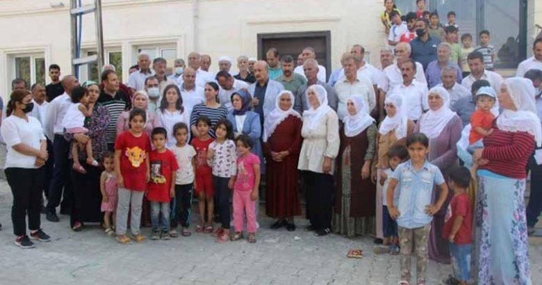 HDP'den 11 gündür suları kesik olan köylülere ziyaret