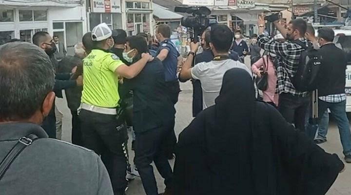 Meral Akşener'e Sivas'ta saldırı girişimi