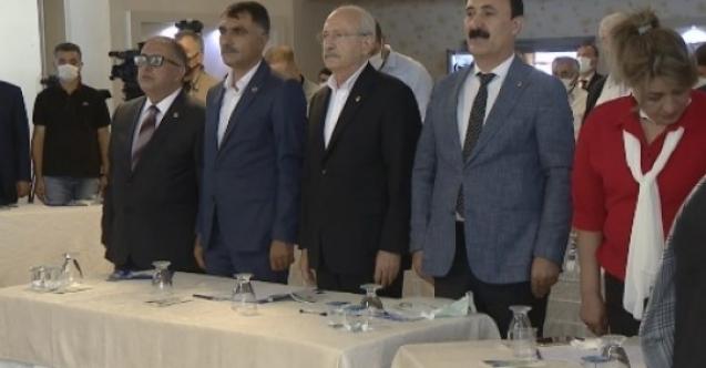 Kılıçdaroğlu, Van'da Osman Kavala ve Selahattin Demirtaş'ı sordu